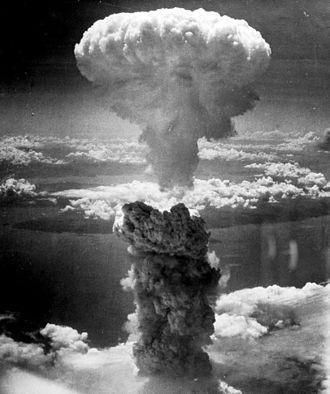 Nagasakin pommin aiheuttama sienipilvi