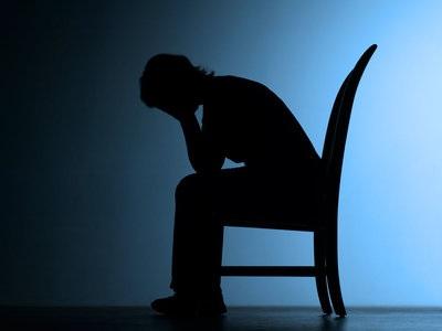 Voimakkaat emotionaalisen kivun tunteet ovat normaali reaktio menetykseen, joten niitä ei tulisi merkitä mielenterveyden häiriöksi. Masennus voi olla normaali ilmiö.