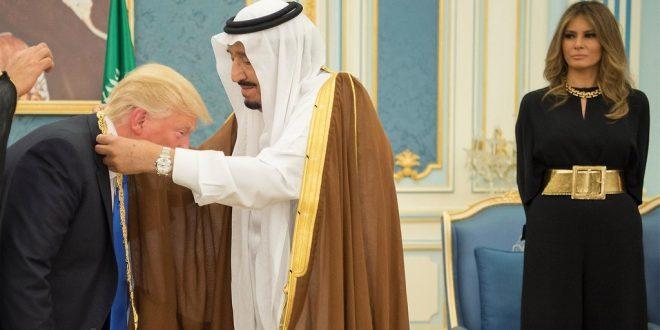 Haaremeissaan löhöilevä Saudi-Arabian kuningas Salman ujuttaa Trumpille Saudi-Arabian korkeimman kunniamerkin, joka voidaan siviilihenkilölle myöntää.