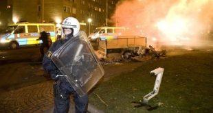 Mellakka poliisi Ruotsissa