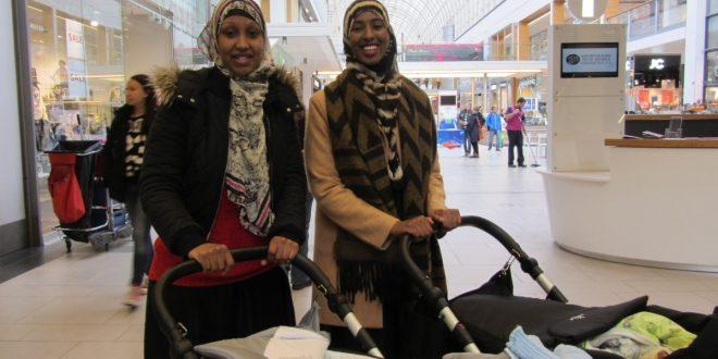 Somalialaiset äidit kansik
