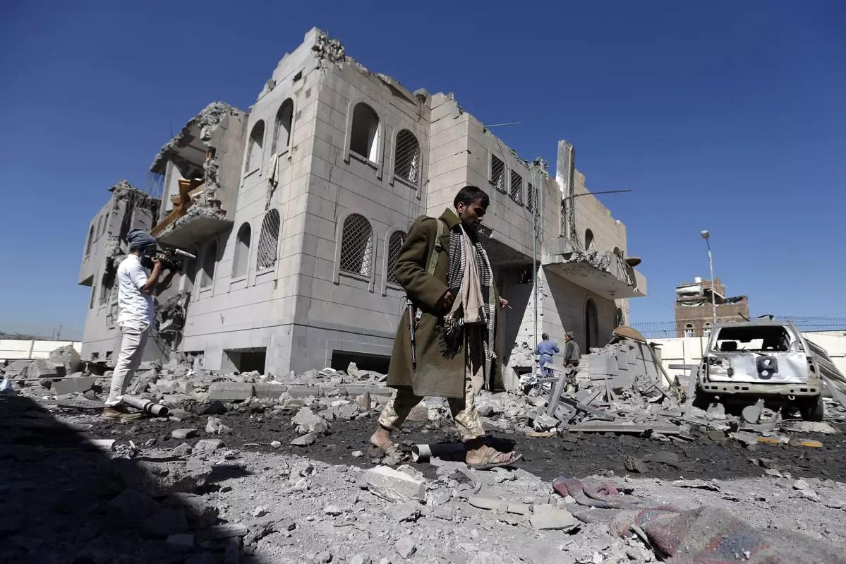 Saudi-koalition iskujen jälkiä Jemenissä vuonna 2017.