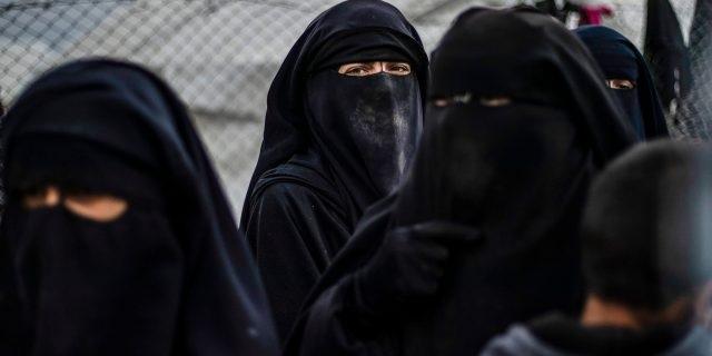 ISIS naisia
