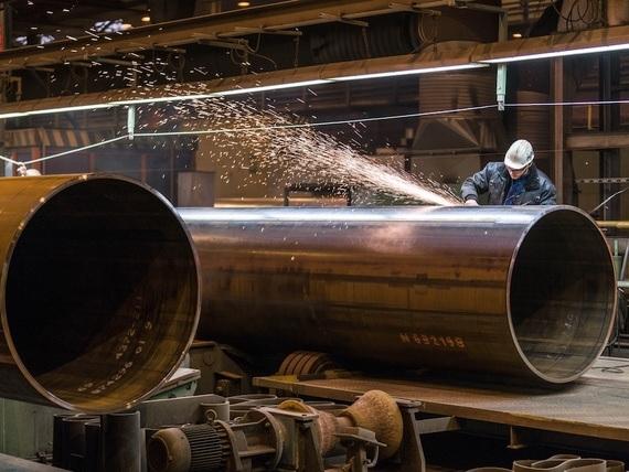 Nord Stream 2 -hankkeen kaasuputkia tuotantovaiheessa Saksan Mulheimissa.