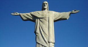 Jeesusta esittävä patsas